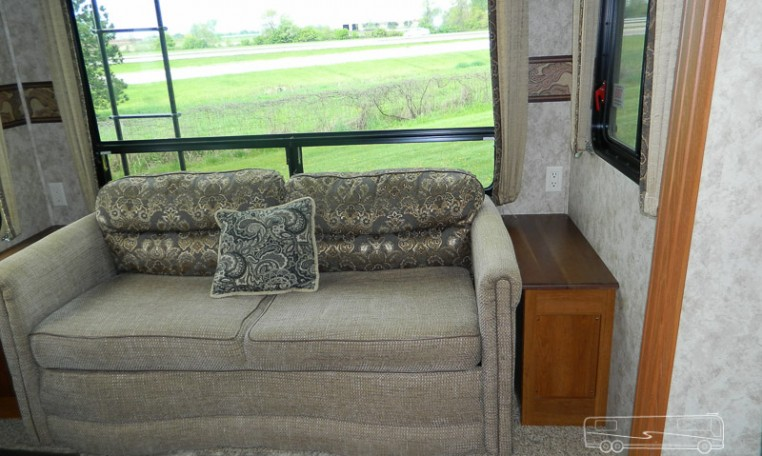 Luxury Coach Coaches Motorhomes And Other Rvs For Sale