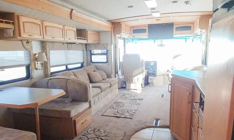 2001 Itasca Horizon at Luxury Coach