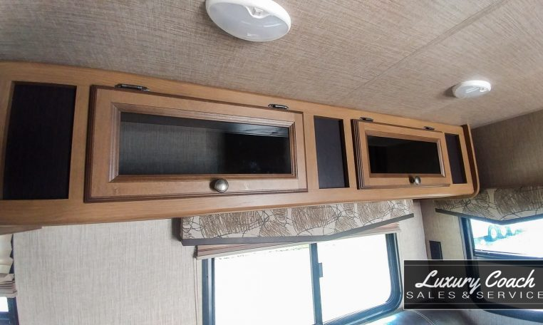 2017 Crossroads Cruiser Aire at Luxury Coach