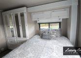 2004 Gulf Stream Endura Bedroom
