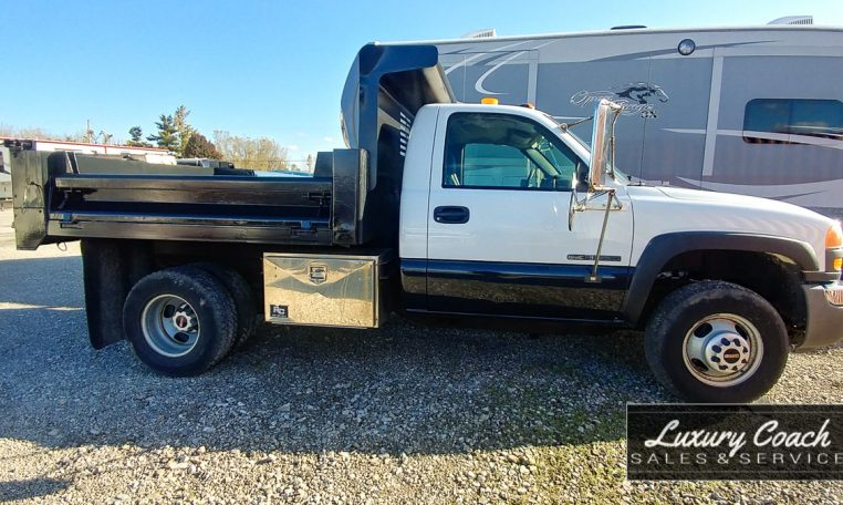 2005 GMC Sierra 3500 Dump Truck at Luxury Coach